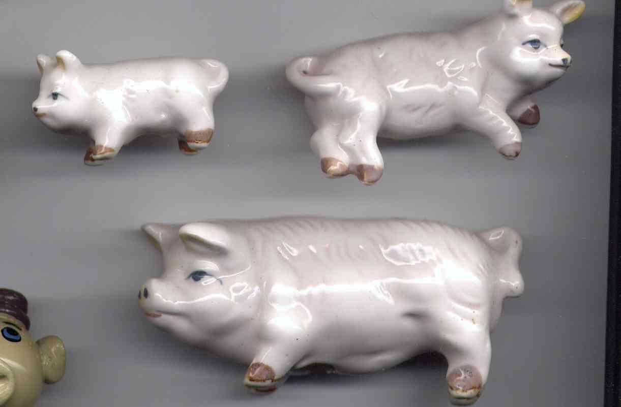 COCHON NO7 FAMILLE DE 3 ANIMAUX DE 3 A 7CM - Pigs