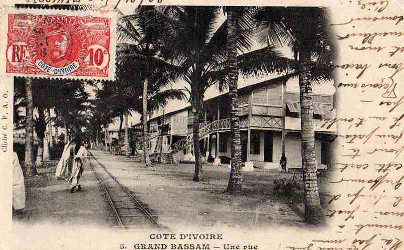 AFRIQUE. COTE D´IVOIRE. GRAND BASSAM. Une Rue. - Côte-d'Ivoire