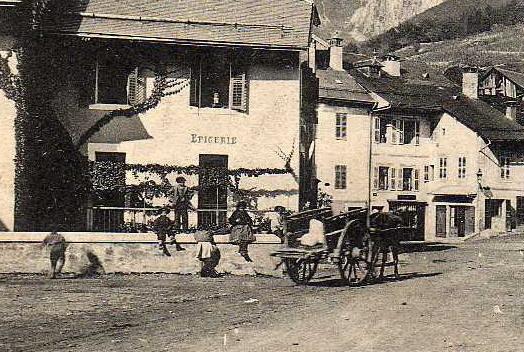 73 GRESY SUR ISERE Place, Animée, Epicerie, Ed Reynaud 1186, 1906 - Gresy Sur Isere