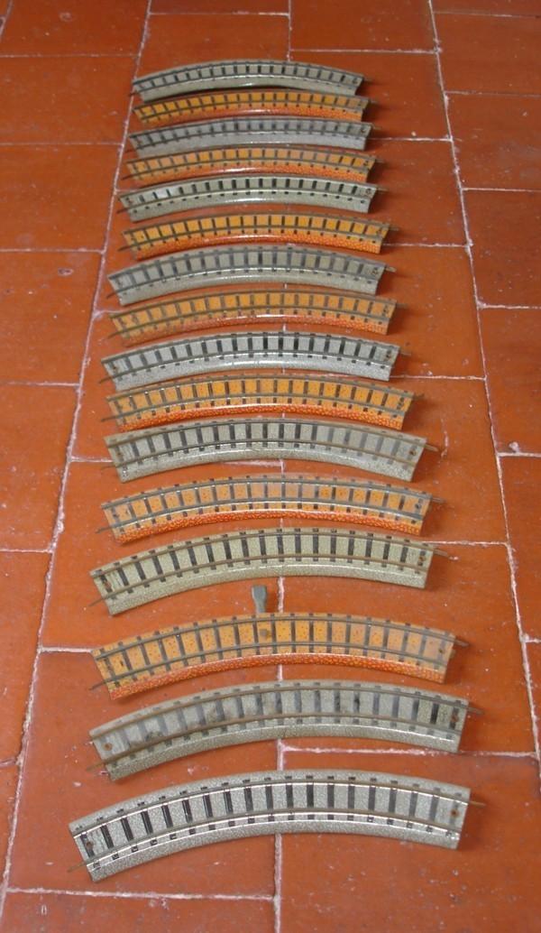 Lot De Rails Jouef + échangeur Jouef + Feu Tricolore - Rails