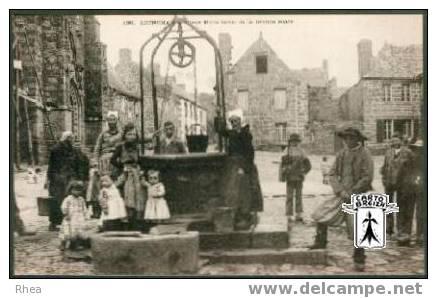 29 Locronan - 139. Vieux Puits Banal De La Grande Place - Cpa - Locronan