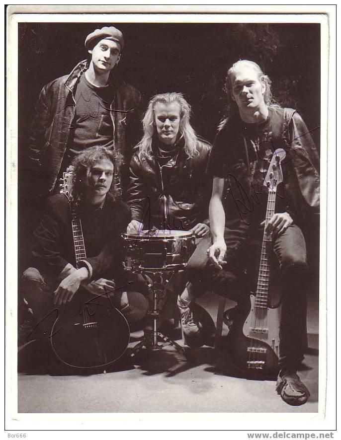 "SUOMI / FINLAND Rock Group "" Sir Elwoodin Hiljaiset Värit "" - ORIGINAL AUTOGRAPHED PHOTO 1991 - Autographs"