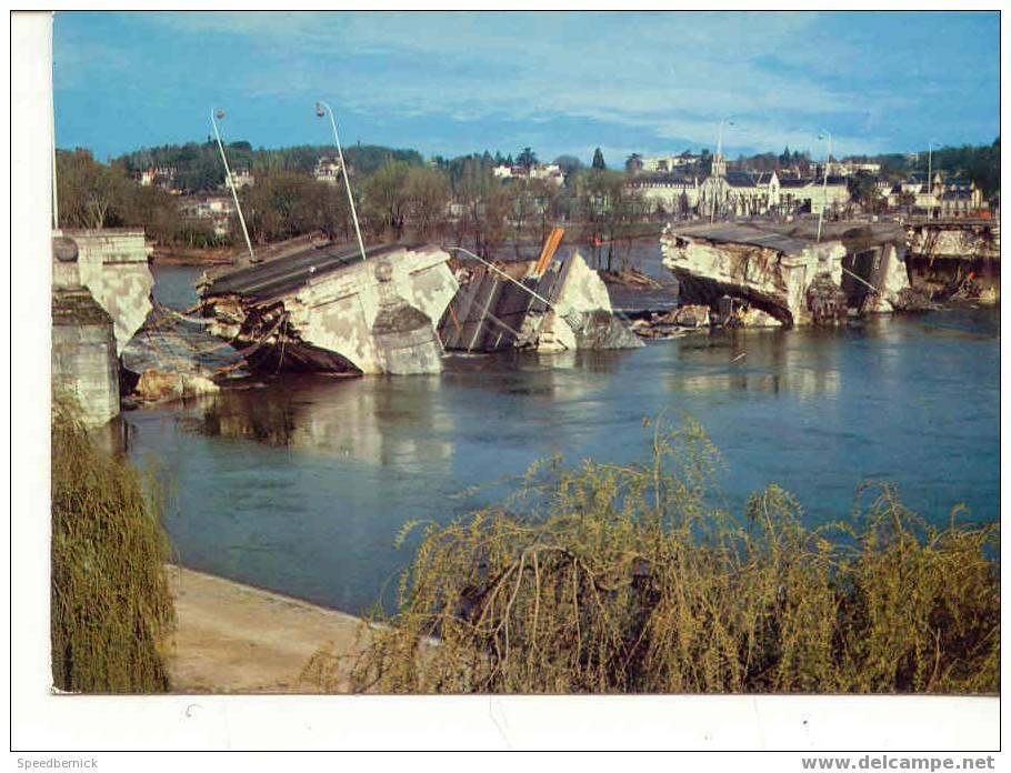 3564 TOURS Pont Wilson écroulé Le 9 Avril 1978 .   Artaud . 115 - Tours