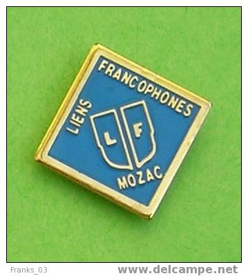 Pins Mozac (Puy De Dôme) Liens Francophones - Steden
