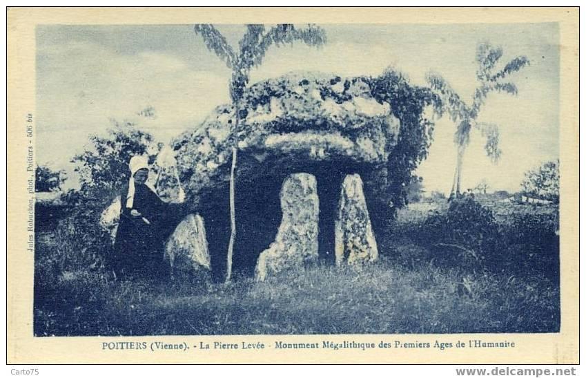 POITIERS 86 - La Pierre Levée - Monument Mégalithique - Dolmen & Menhirs