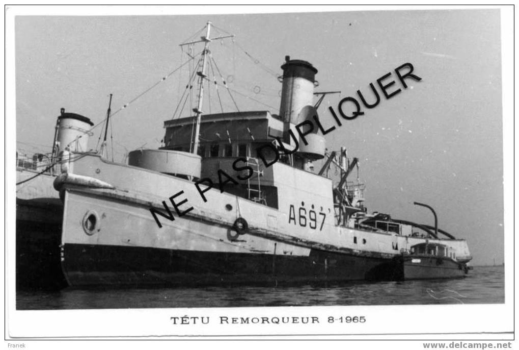 """3939 Remorqueur A697 """"TÊTU"""" (08-1965) - Marine Nationale - Photo Marius BAR - Krieg"""