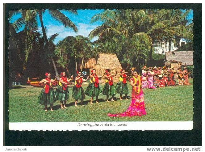 CPSM - Dancing The Hula In Hawaii ( Danse Hawaiienne Timbre Blanche Stuart Scott Pionnière Aviation ) - Oahu
