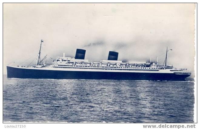 ILE DE FRANCE :  Long. 241 M. 64, Larg. 28m 09. Puissance 55 000 CV. Jauge Brute. 45.330 Ton. Compagnie Générale Transat - Dampfer