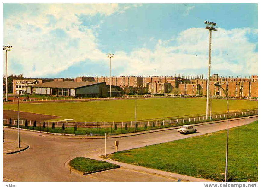 59.WATTRELOS. Vue Sur Le Stade Du Centre Sportif De Beaulieu. - Wattrelos