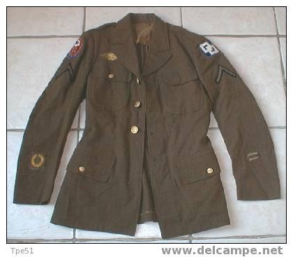 Veste De Sortie US Datée 40, Soldat 1ère Classe Private, 2 Chevrons De Service Outre-mer, ... - Uniformes