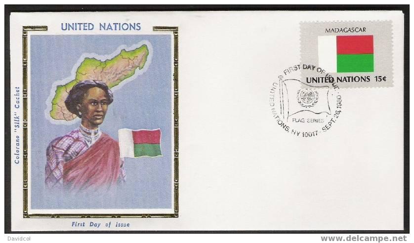 S849.-. 1980 .-. U.N. / O.N.U - SILK COVER-  MADAGASCAR    FLAG- BEAUTIFUL COVER. - Briefe
