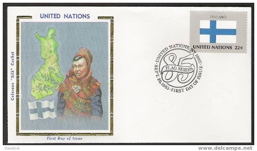 S865.-. 1985 .-. U.N. / O.N.U - SILK COVER-  FINLAND //  FINLANDIA FLAG- BEAUTIFUL COVER. - Briefe