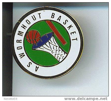 Pin´s WORMHOUT  Basket ( Dép 59 ) - Basketball