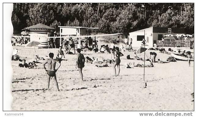 CHARENTE-MARITIME / ÎLE D´OLERON / SAINT-TROJAN / PLAGE DE GATSEAU  ( Partie De BEACH-VOLLEY = VOLLEY-BALL à Gauche ! ) - Volleyball