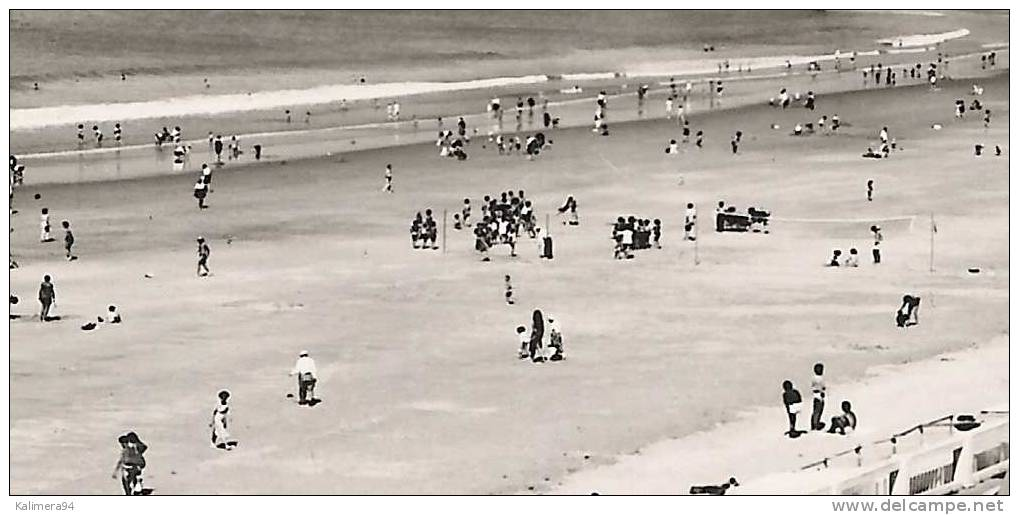 VENDEE / PLAGE DE SAINT-GILLES-SUR-VIE    ( Partie  De  BEACH-VOLLEY = VOLLEYBALL ) - Volleyball
