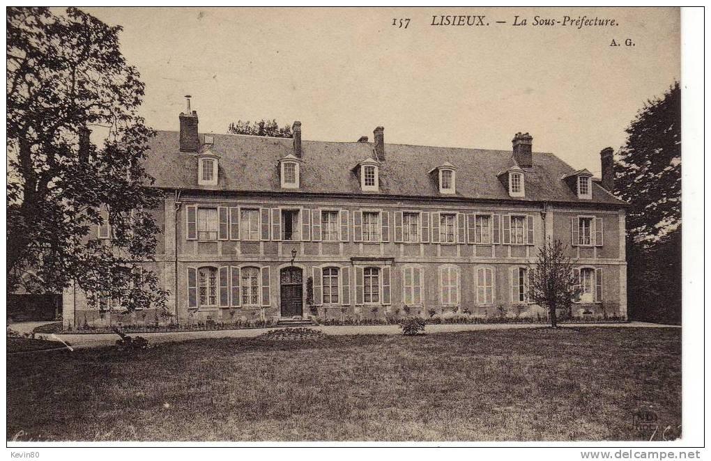 14 LISIEUX La Sous Préfecture - Lisieux