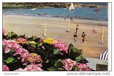 CÔTES-DU-NORD / PERROS-GUIREC / LA PLAGE DE TRESTRAOU En 1980  ( 2 Filets De BEACH-VOLLEY , Sur La Droite ) - Volleyball