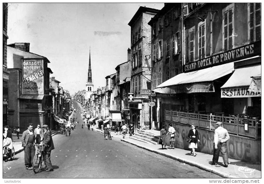 69 VILLEFRANCHE SUR SAONE RUE NATIONALE HOTEL DE PROVENCE ANIMEE CPSM VOYAGEE 1949 - Villefranche-sur-Saone