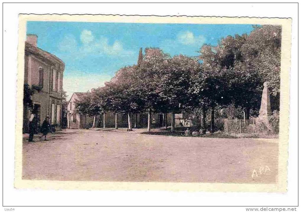 SAINT-URCISSE La Place Et Le Monument - France