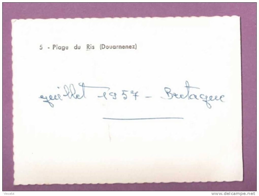 DOUARNENEZ - La Plage Du Ris - Carte Petit Format 1957 - Douarnenez