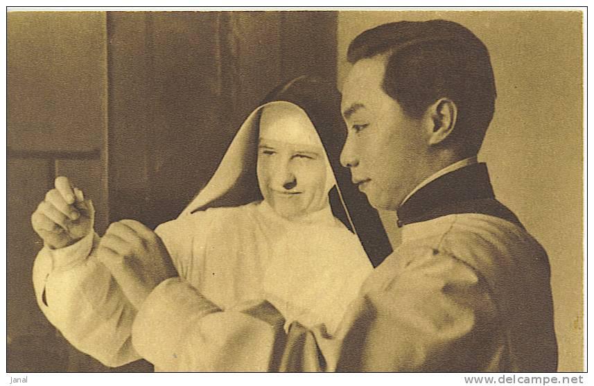 - MISSION D´ASIE -  MEDECIN CHINOIS ET RELIGIEUSE EUROPEENNE - - Missioni