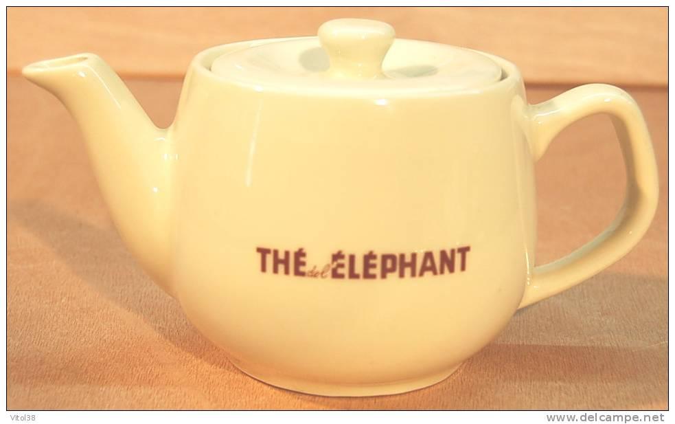 THEIERE THE DE L'ELEPHANT ( EN FAIENCE ) - Théières