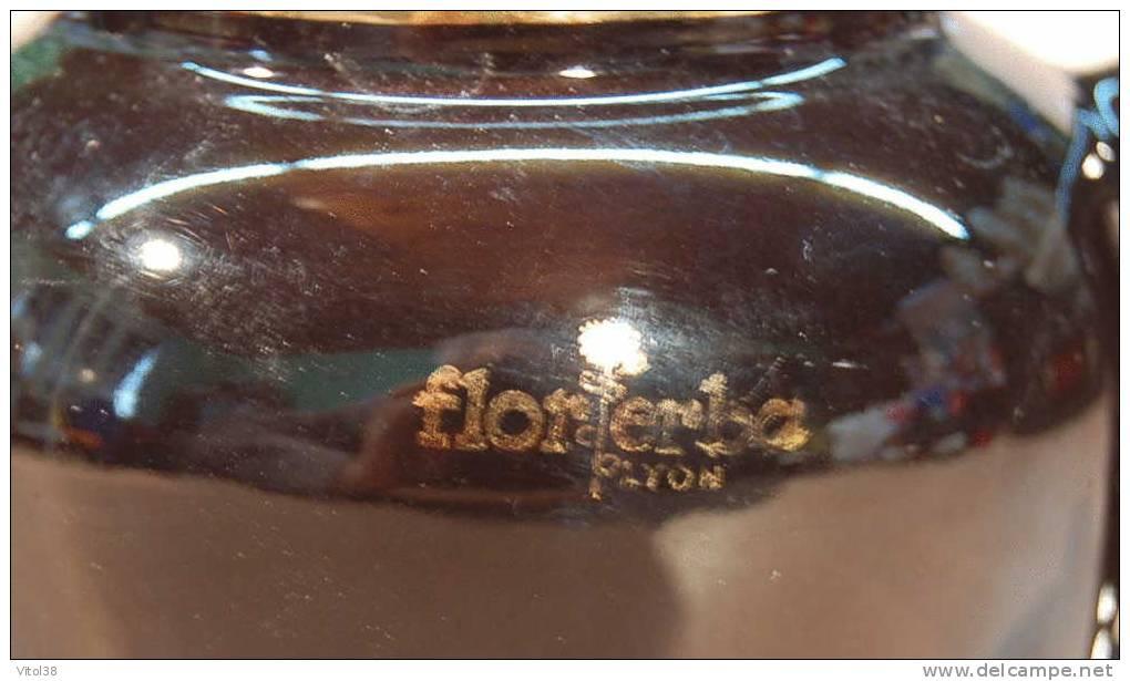THEIERE FLOR ERBA LYON ( EN FAIENCE PETIT MODELE HAUTEUR 104 MM ) - Théières