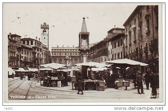 Italie - P670 - Veneto - Verona - Verone - Piazza Erbe - Marché - Semi Moderne Petit Format - Bon état - Verona