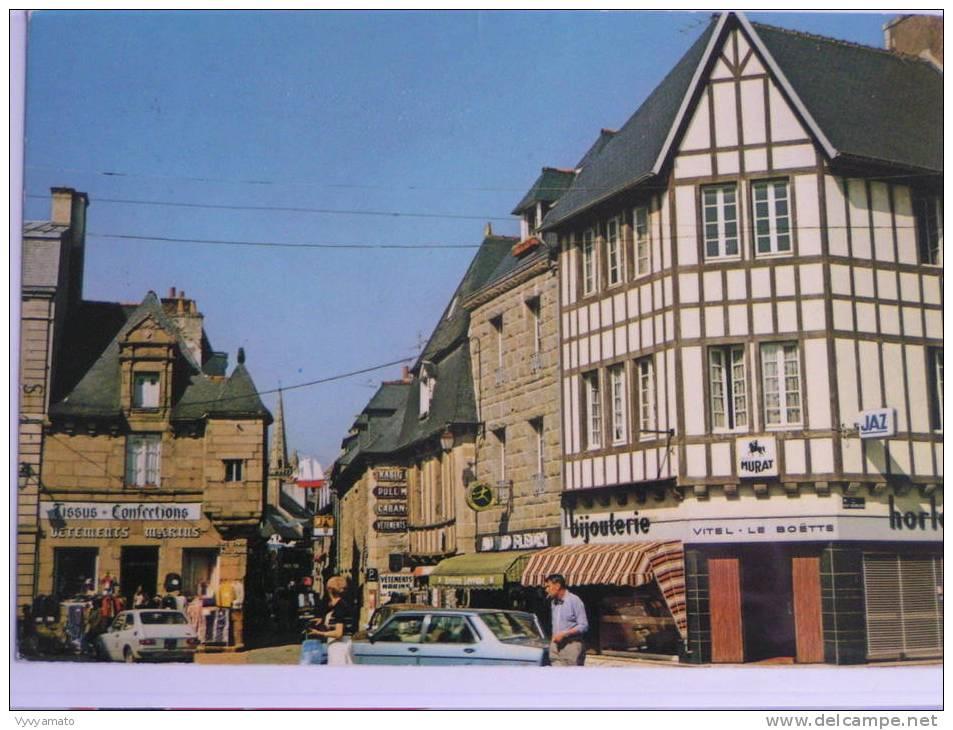 PAIMPOL La Place Du Matray Magasin Tissu Confection Bijouterie Circulée Année 1981 - Paimpol