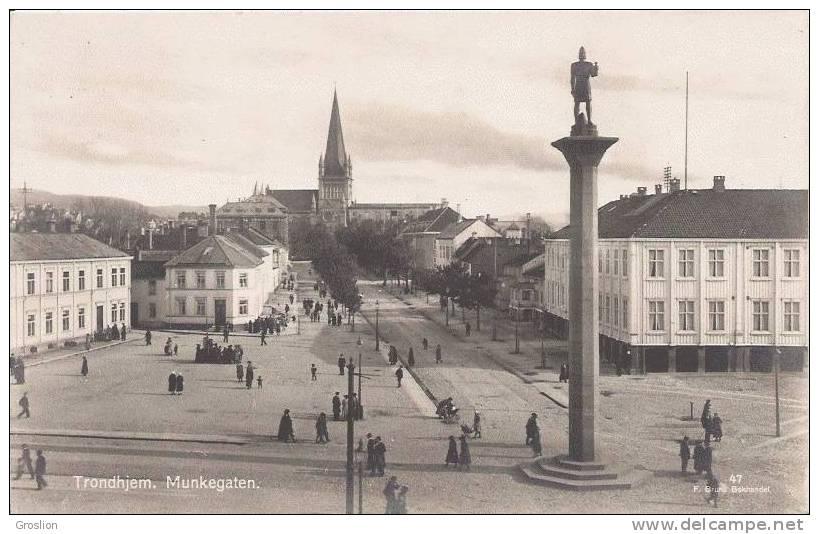 TRONDHJEM MUNKEGATEN 47 (PETITE ANIMATION) CP PHOTO - Norvège