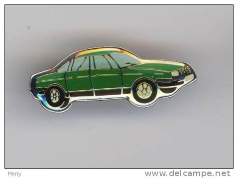 AUTOMOBILE N° 126 - Badges