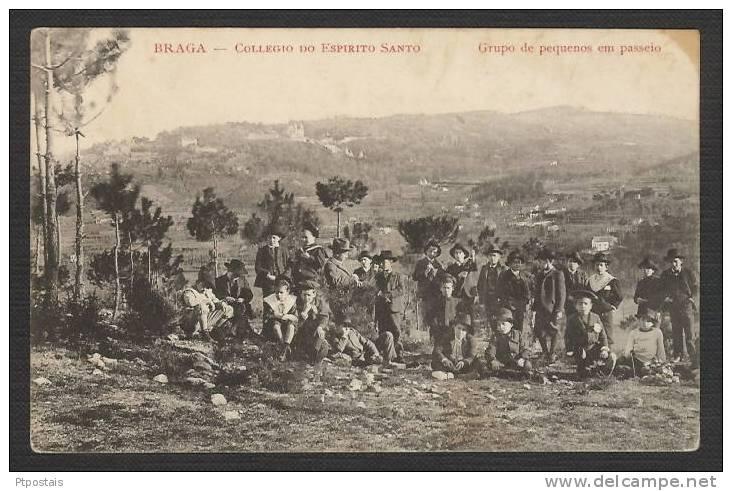 BRAGA (Portugal) - Collegio Do Espirito Santo - Grupo De Pequenos Em Passeio - Braga