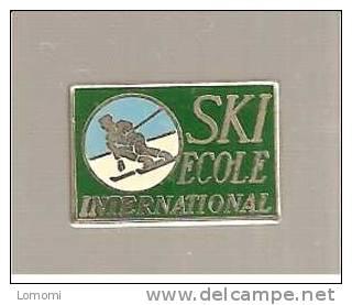 ECOLE INTERNATIONAL   .  .  RARE  . . - Ski Nautique