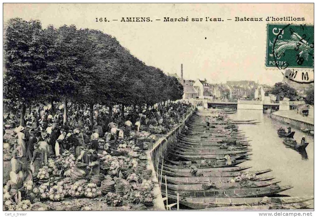 CPA 80 AMIENS LE MARCHE SUR L'EAU BATEAUX D'HORTILLONS - Amiens