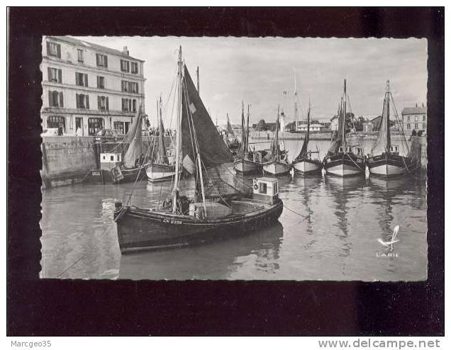 Honfleur Le Port édit.lapie N° S 808 Bateaux De Pêche Belle Cpsm - Honfleur
