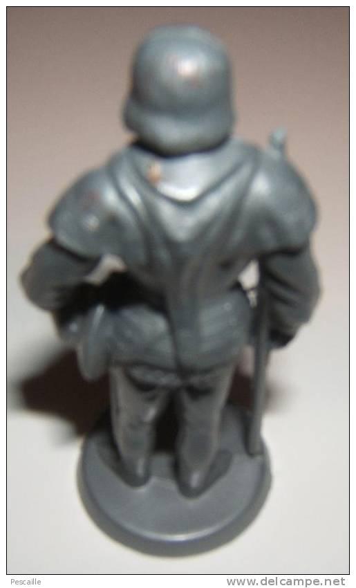 FIGURINE MILITAIRE COUSTILLEUX LOUIS XI - Militares