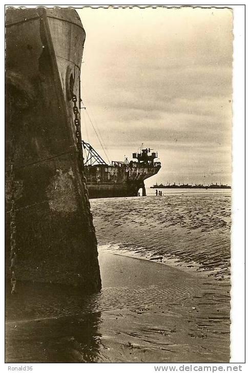 Cp 14 ARROMANCHES LES BAINS Port WINSTON CHURCHILL 1944 Dans Le Port Artificiel - Arromanches