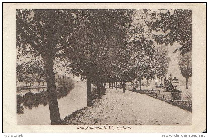 Bedfordshire - The Promenade West, Bedford  B417 - Bedford