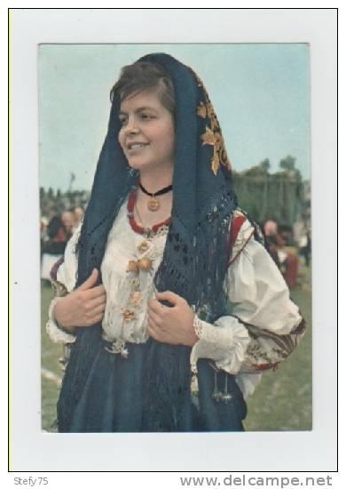 Sardegna-oliena-costumi Sardi - Costumi