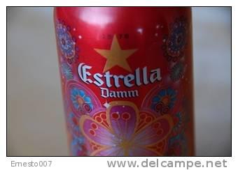 "Leere Alu-Bierdose Aus Spanien: ""ESTRELLA DAMM - CUSTO BARCELONA"" - Farbe Rot, Siehe Bilder - Cannettes"