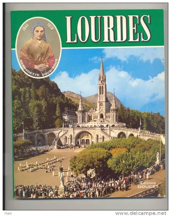 LOURDES - Très Beau Livre En Allemand De +/- 65 Pages Pratiquement Que Des Photos. - Christianisme