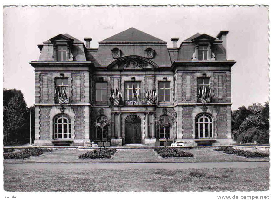 Carte Postale 59. Lambersart   L´Hotel De Ville Trés Beau Plan - Lambersart
