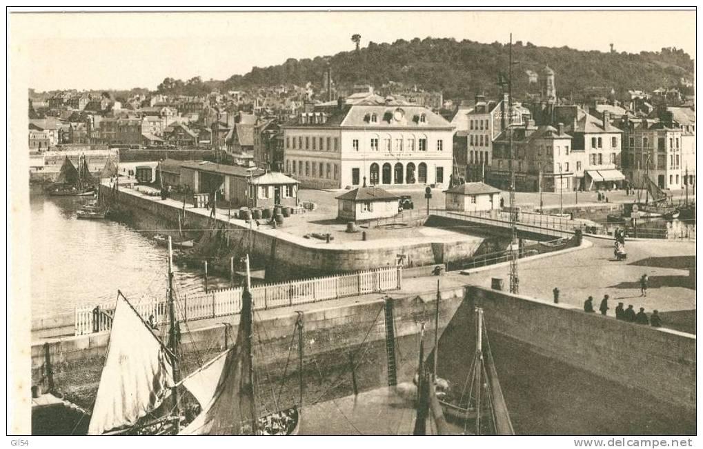 Honfleur - Le Port Et L'hotel De Ville --  Jc136 - Honfleur