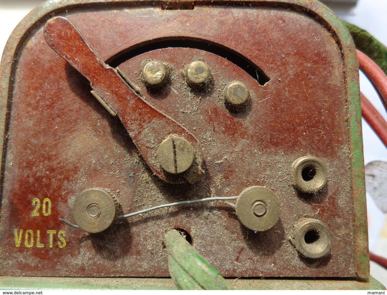 Tansformateur N° 0 Metal Et Bakelite- Meccano Paris Fab En France  110/120v.50 20 Volts--- - Meccano
