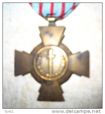 Médaille Française WW1 : Croix Du Combattant - Francia