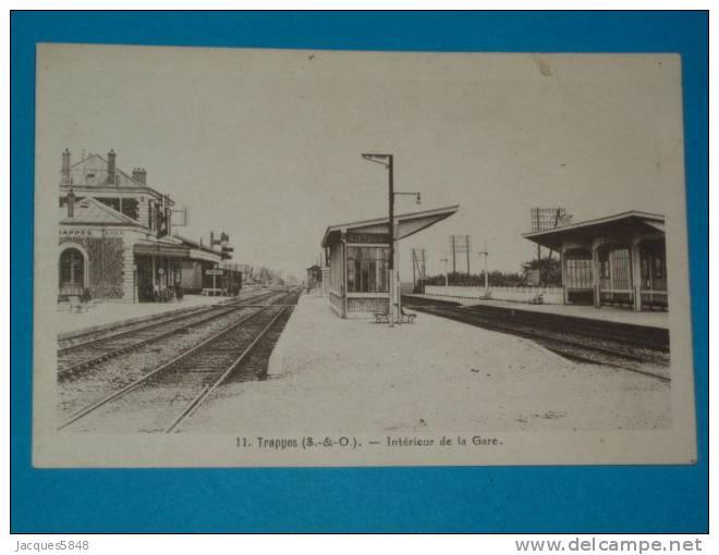 78) Trappes - N° 11 - Intérieur De La Gare   - Année  - EDIT  David - Trappes