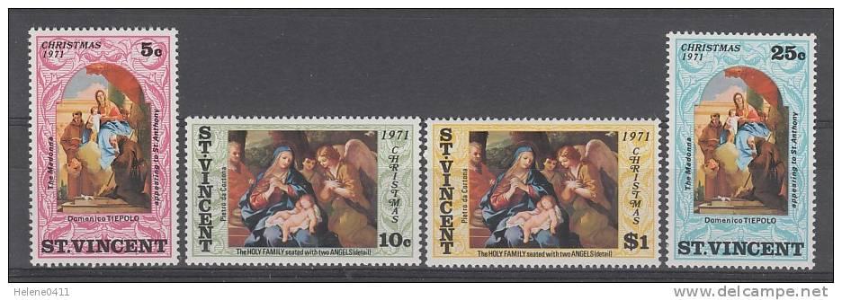SERIE NEUVE DE ST-VINCENT - TABLEAUX RELIGIEUX (NOËL 1971) N° Y&T 302 A 305 - Religious