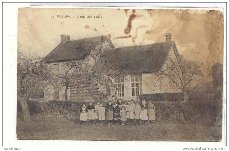 14654 Fleuré , école Des Filles . éd Tremblais . Attention Très Mauvais état - France