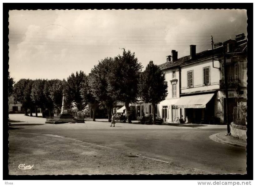 24 Tocane-Saint-Apre Monument Aux Morts D24D K24286K C24553C RH065307 - Non Classés