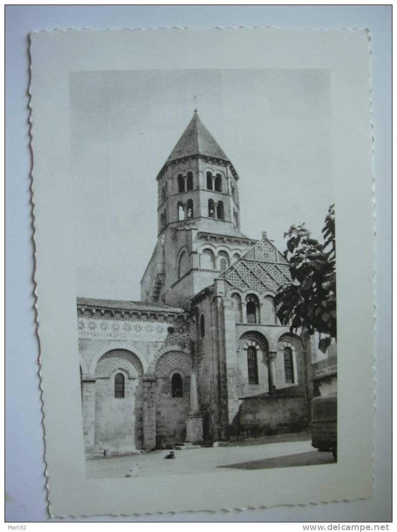 63 CHAURIAT EGLISE - France